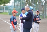 南区秋季大会で佐々木陵惺選手がホームラン賞を受賞しました